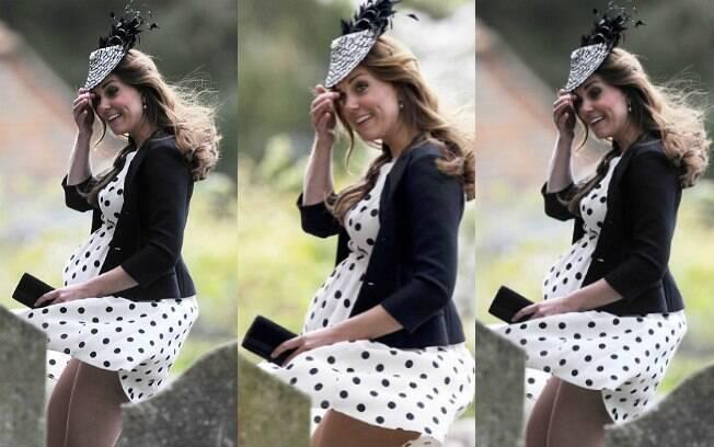 Kate Middleton traída pelo vento em um casamento de amigos no último sábado (11). Foto: Reprodução