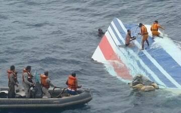Veja vídeos sobre a queda do avião da Air France no oceano Atlântico