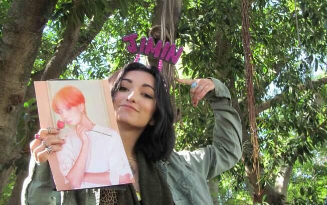 Fã de K-pop, Bruna Leite está acampada desde domingo à espera do show do BTS