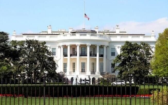 A carta foi interceptada por policiais antes de chegar à Casa Branca, disseram as autoridades