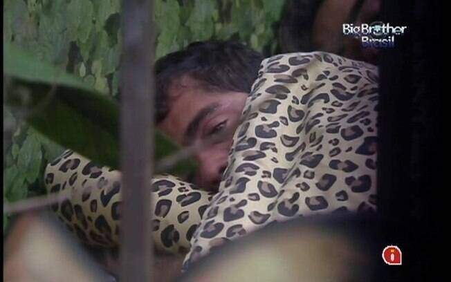 Yuri sofreu demais quando viu Laisa no Paredão