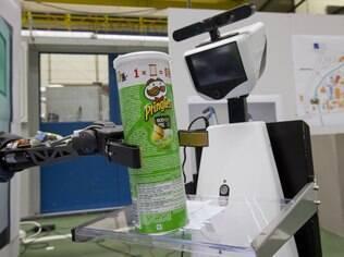Sistema permite que robôs se conectem para buscar informações de como fazer algo