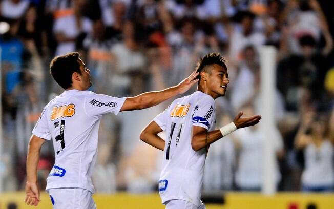 Neymar comemora um de seus gol na vitória  santista sobre o Palmeiras