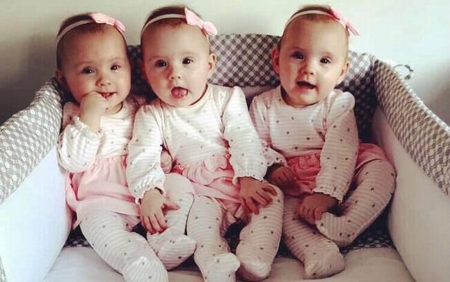 Contrariando as chances de uma em 200 milhões, Sian e Aaron tiveram trigêmeas idênticas sem inseminação artificial