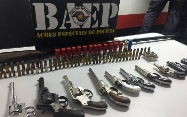 Trio é preso com 12 armas sem registro em Campinas