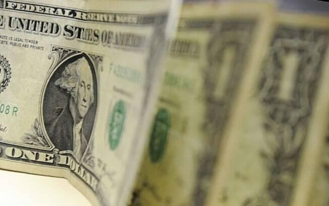 Eleições EUA: Dólar fecha no menor valor em quase um mês