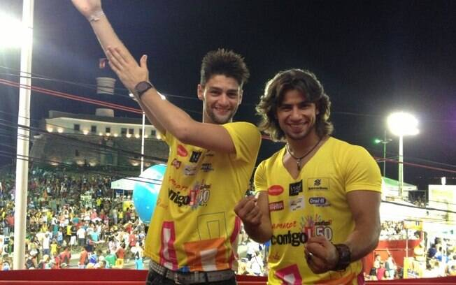 b59ff3f3a4 Munhoz e Mariano no carnaval de Salvador. Foto  Divulgação