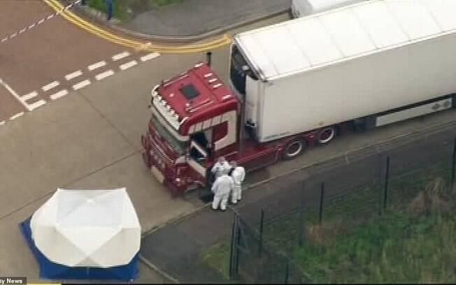 Investigação suspeita que os 39 passageiros morreram congelados no refrigerador do veículo