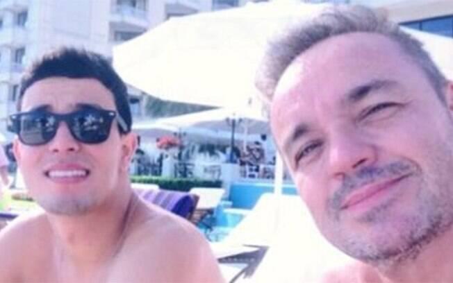 Thiago Salvático posta primeira foto que tirou com Gugu
