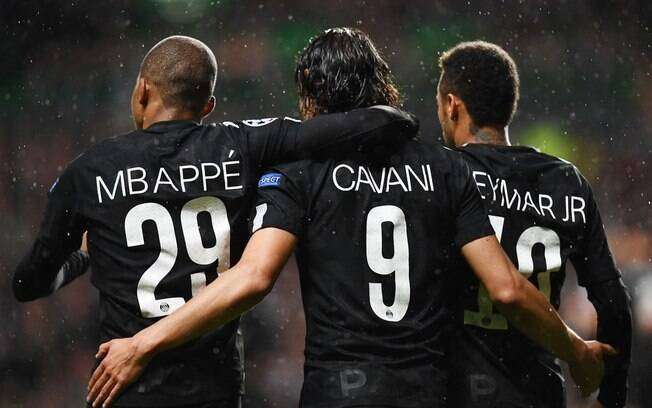 Mbappé, Cavani, Neymar em ação pelo PSG.