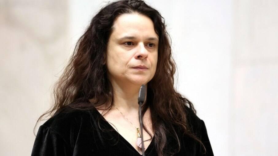 'Filhos de Bolsonaro cavaram a cova do governo', opina Janaina Paschoal