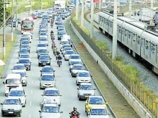 Números. Quase metade da população usa carro para se locomover na capital, mas93% reconhecem que transporte público e a solução