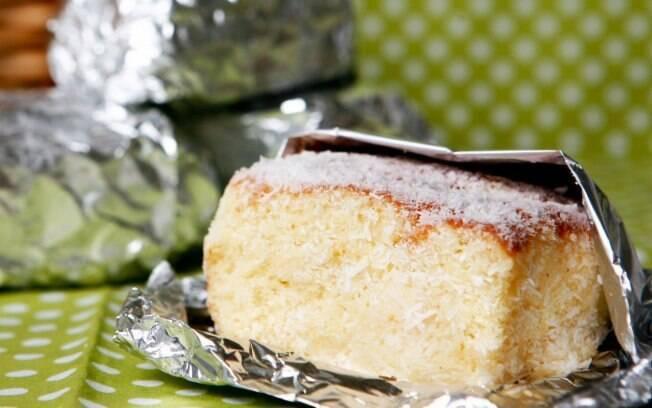 Bolo gelado de coco é uma receita da culinarista Carole Crema