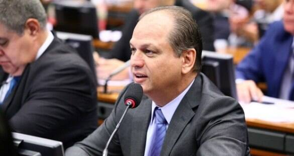"""""""SUS é direito do cidadão, garantia absoluta"""", diz ministro da Saúde"""