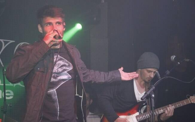 Raoni Carneiro é o vocalista da banda Trupe