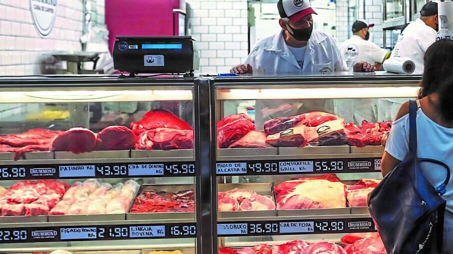 Brasileiros reduzem consumo de carne vermelha em 2021