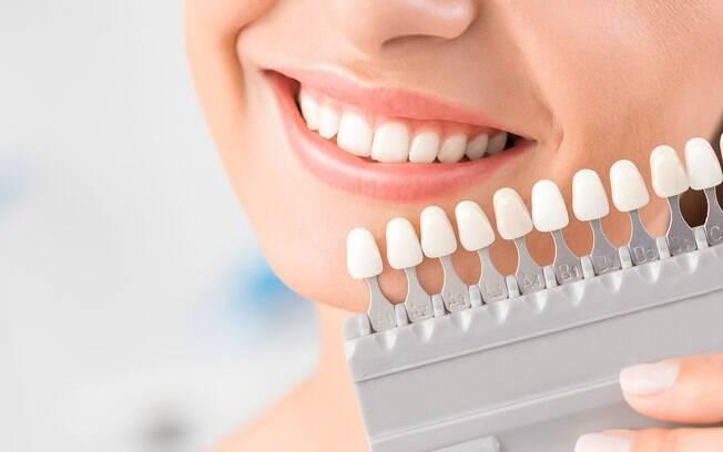 Cuidar do seu implante dental é tão importante quanto cuidar dos seus dentes naturais
