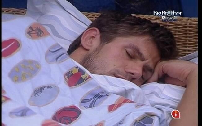 Brothers pegam no sono após o fim da Prova de Resistência que durou mais de nove horas