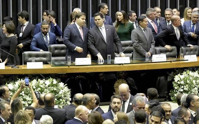 Ao centro, Rodrigo Maia e Davi Alcolumbre na abertura oficial dos trabalhos legislativos em 2019