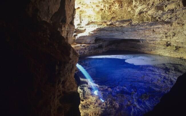 Poço encantado tem profundidade de até 16 metros