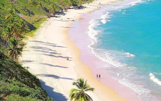 A Praia do Cabo Branco, em João Pessoa, pode oferecer um passeio no início de tarde