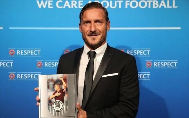 Fracesco Totti se matriculou em curso da Uefa para se tornar treinador