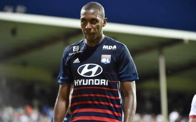 Zagueiro brasileiro Marcelo, do Lyon, pode se transferir para o Barcelona