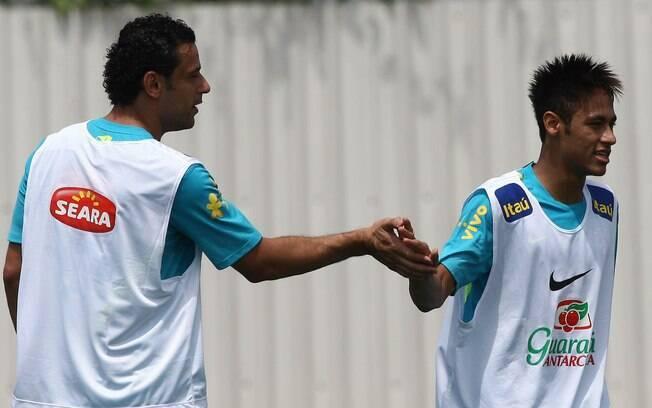 Fred e Neymar treinaram como titulares da  seleção brasileira