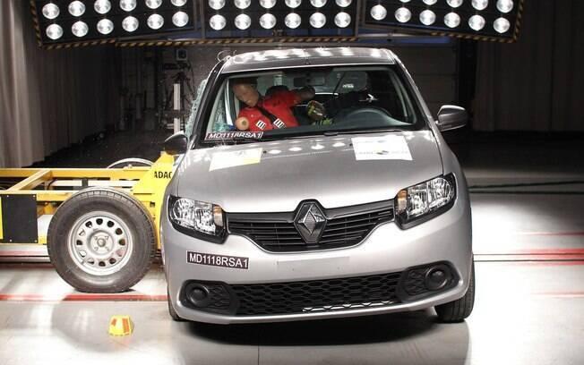 Diferentemente do Ford Ka, a dupla Renault Sandero e Logan desapontou no teste de colisão lateral