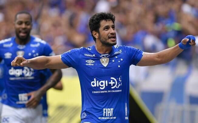 Cruzeiro venceu o Atlético-MG por 2 a 1 na rodada de decisões deste domingo