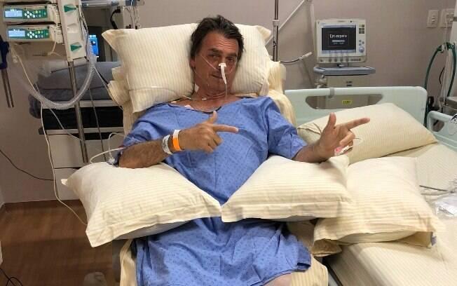Jair Bolsonaro está estável e já pode se sentar; segundo filho, candidato iniciou fisioterapia