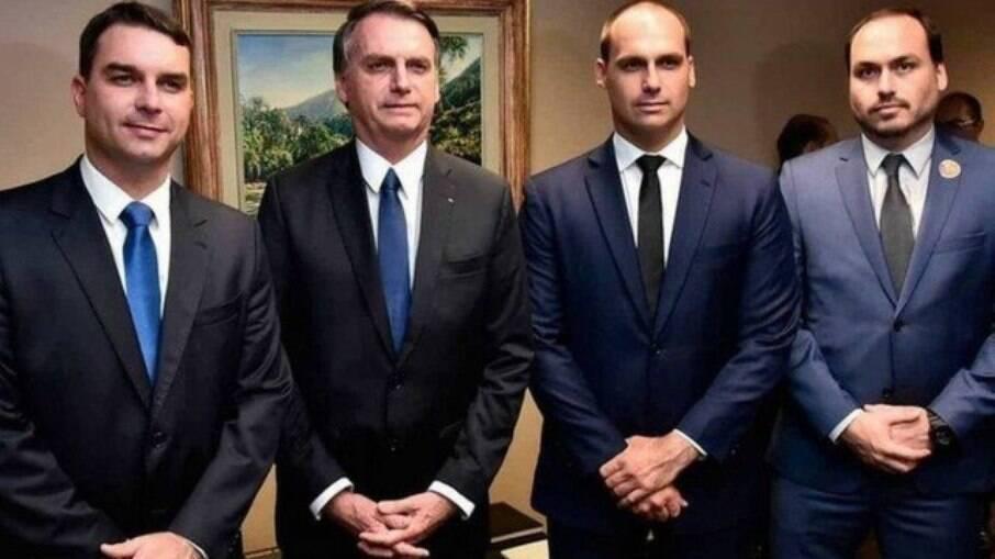 O presidente da república e seus três filhos, Flávio, Carlos e Eduardo