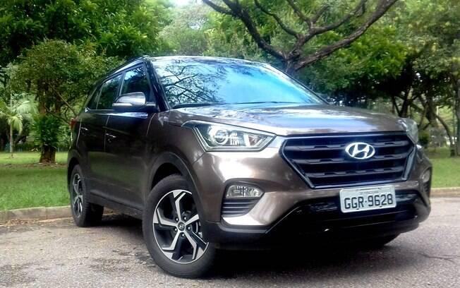 Hyundai Creta Sport vem com detalhes pintados de preto brilhante no lugar dos cromados da Prestige