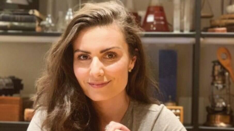 Nathalia Arcuri explica demissão da RedeTV!