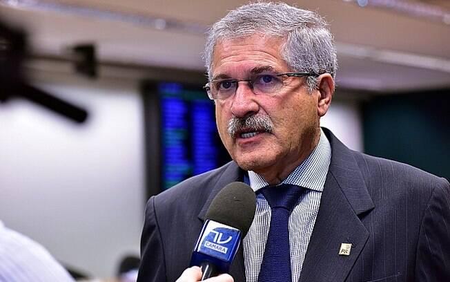 O deputado José Rocha (BA) é indicado do PR para a comissão do impeachment. . Foto: Zeca Ribeiro / Câmara dos Deputados - 23.02.16