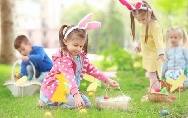 Fazer brincadeiras, receitas especiais e outras atividades de Páscoa é uma forma de aproveitar a data com as crianças