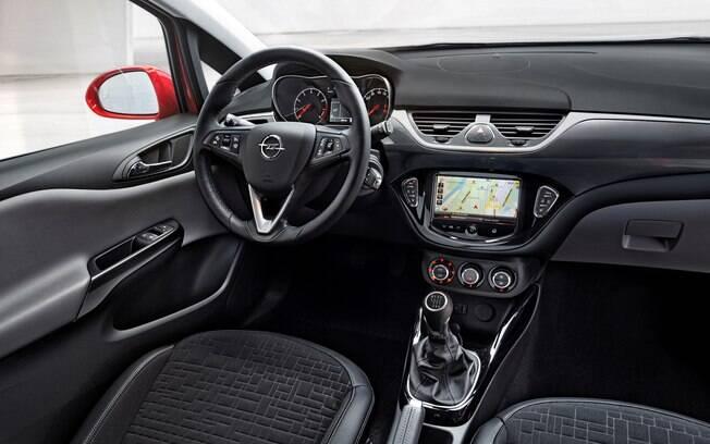 Por dentro, o Opel Corsa é um carro moderno, tanto que faz sucesso na Europa, sendo o quinto mais vendido do mercado