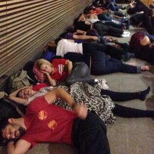 Professores dormiram na assembleia