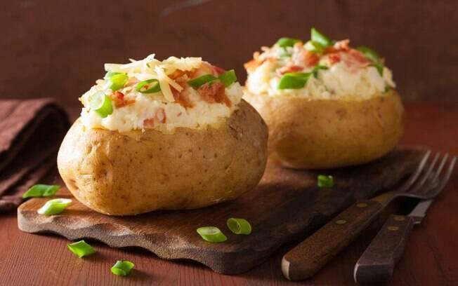 A batata recheada é uma opção diferente para o almoço ou jantar