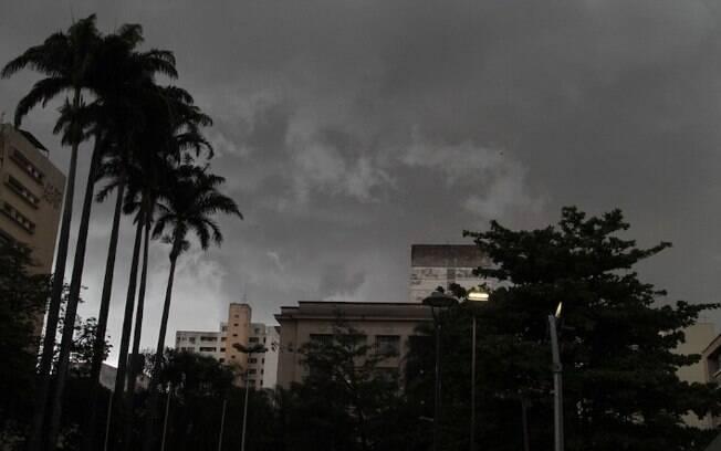 Com acumulado de chuva, Campinas continua em estado de ateno