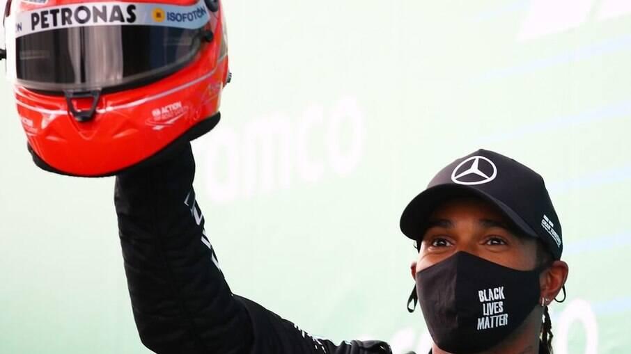 Fórmula 1 não deve aceitar oferta de vacinas do Bahrein