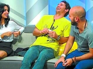 """Equipe. Aurora Bello, Flávio Canto e Lucas Gutierrez apresentaram o """"Madruga SporTV"""" na Copa"""