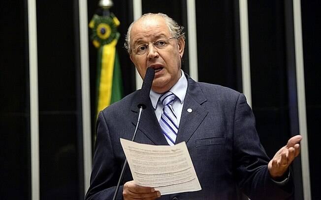 O projeto de reforma tributária que tramita no Congresso, de autoria do deputado Luiz Carlos Hauly (PSDB), prevê a criação de um Imposto sobre Valor Agregado (IVA), que substituiria nove tributos de consumo