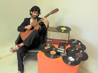 Vitor Soares. Cantor lança CD na Casa do Movimento Popular nesta sexta (5)