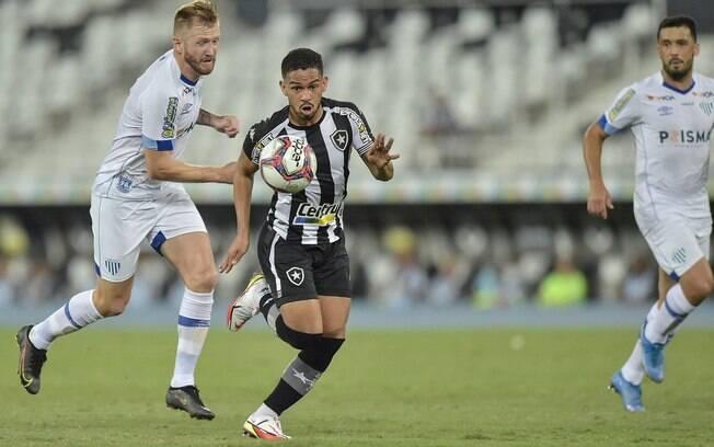 Botafogo sofre com 'Lei do Ex', perde partida e segundo lugar na Série B para o Avaí