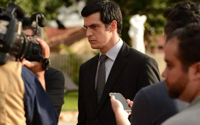 Mateus Solano vive um juiz impetuoso no filme