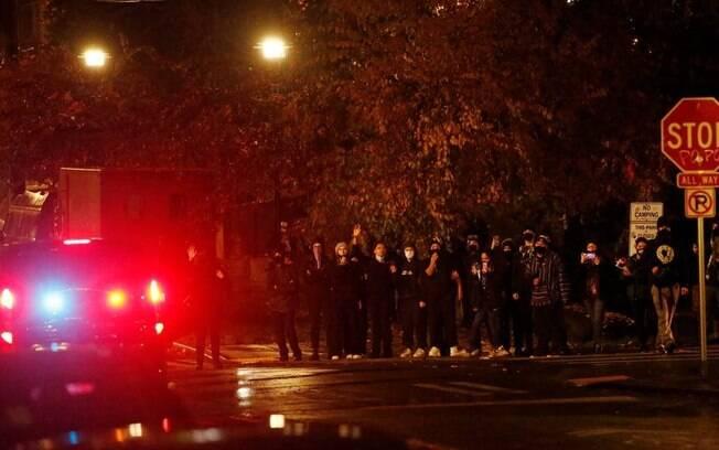 Quatorze manifestantes foram detidos em Minneapolis e oito em Seattle