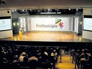 Lançamento. O programa para entrega de máquinas do governo de Minas teve início em abril de 2013