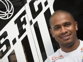 Valencia estava com o passe livre, após deixar o Fluminense, clube em que foi campeão Brasileiro de 2010 e 2012