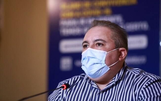 Secretário estadual de Saúde André Longo